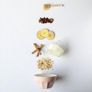 ¡Desayuna con té, desayuna That's Tea!  El desayuno es considerado como la ingesta más importante del día. El cuerpo viene de horas de ayuno debido al descanso nocturno y debe prepararse para afrontar el día.   El desayuno precede al momento del día en el que más energía consumimos y es por ello que debemos ofrecer a nuestro organismo alimentos saludables y nutritivos que nos carguen las pilas para todo el día.   Acompaña la fruta, los hidratos y las proteínas que consumas de tu té preferido. Aprovecha los beneficios que el té y las infusiones aportan a nuestro cuerpo, hidrátalo y premiate con su sabor.   #anytimetea #thatstea #tealife #positivismo #buenaenergia #buenosdeseos #desayunos #desayunossaludables #recetasconté #frutaconchocolate #recetastradicionales #recetassabrosas #teawithoutsugar #teabenefits #somosloquecomemos #realfood #realfooding #chocolate #healthystyle #tealover #ilovetea #meriendasdivertidas #ideasoriginales #vegan #infusion #canela #alimentacionconsciente #teabreackfast #desayunaconté #laimportanciadeldesayuno